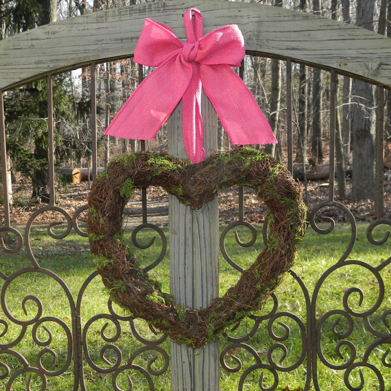Valentine's- Outdoor-Decoration- Ideas_28