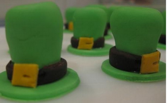 Leprechaun hat cup cakes pictures_resize