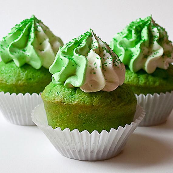 Lucky-Green-Velvet-Cupcakes-450-3_resize