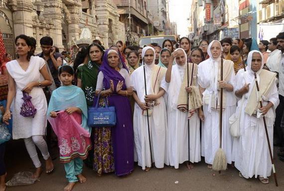 Mahavir- Jayanti- Festival- Jain- Festivals_02