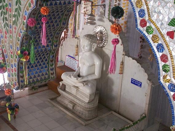 Mahavir- Jayanti- Festival- Jain- Festivals_39