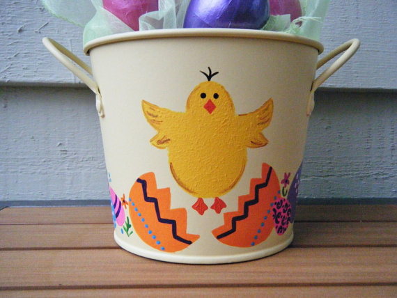 Personalized- Hand- Painted- Girl- Bunny- Easter- Basket- Ideas_34