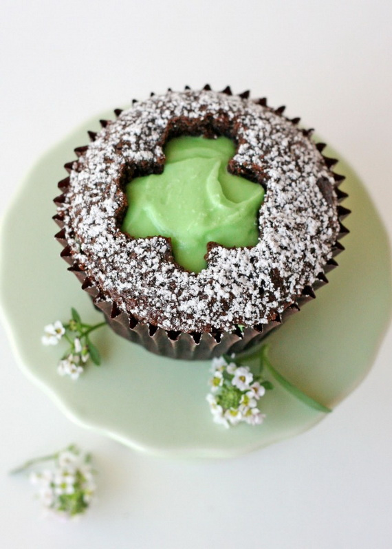 Shamrock-Cut-Out-Cupcakes-731x1024_resize