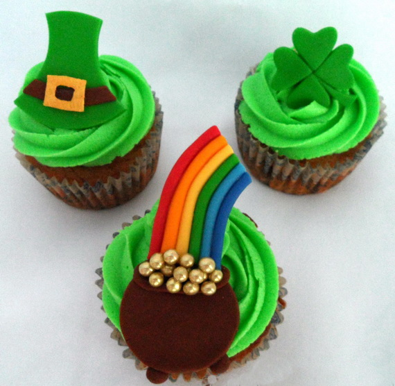 St.-Patricks-Day-Cupcake-Toppers_resize