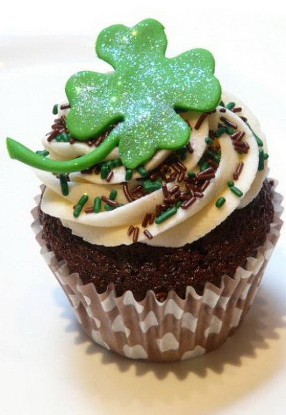 b10f0_st.patricks_day_cupcakes_for_kids_st-patrick-s-day-cupcakes_resize