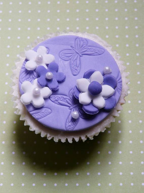 Celebrate-Mothers-Day-with-Decorating-Ideas-of-Cakes-Cupcakes-_50