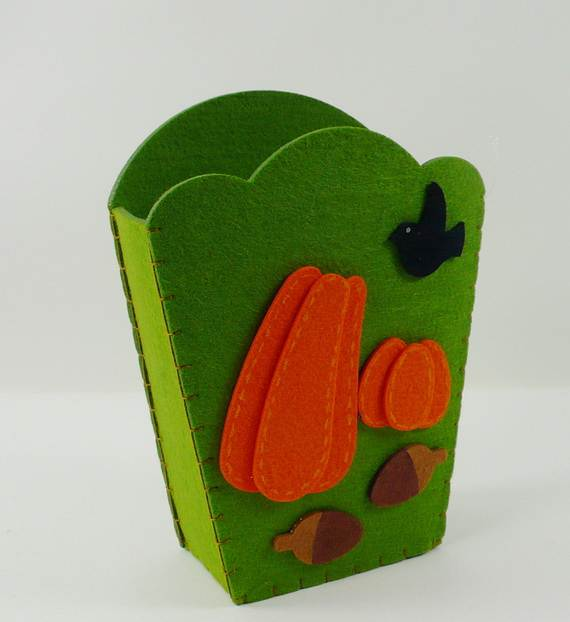Felt-Crafts-and-Needle-Felting-Projects-for-All-Seasons-_053
