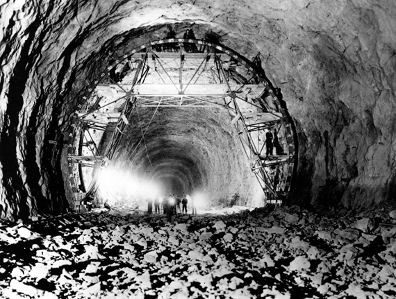 U.S. HOOVER DAM CONSTRUCTION