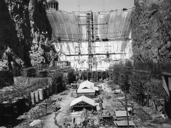 Construction_of_Hoover_Dam_1934-1