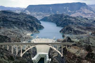 """The History of """"The Greatest Dam in the World"""" Hoover Dam"""