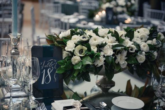 50-Beautiful-Centerpiece-Ideas-For-Fall-Weddings_33