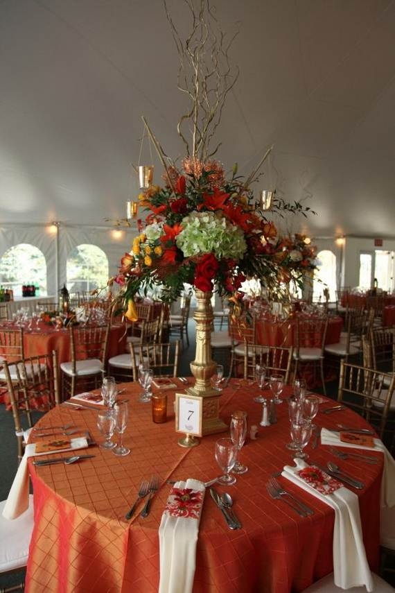 50-Beautiful-Centerpiece-Ideas-For-Fall-Weddings_39