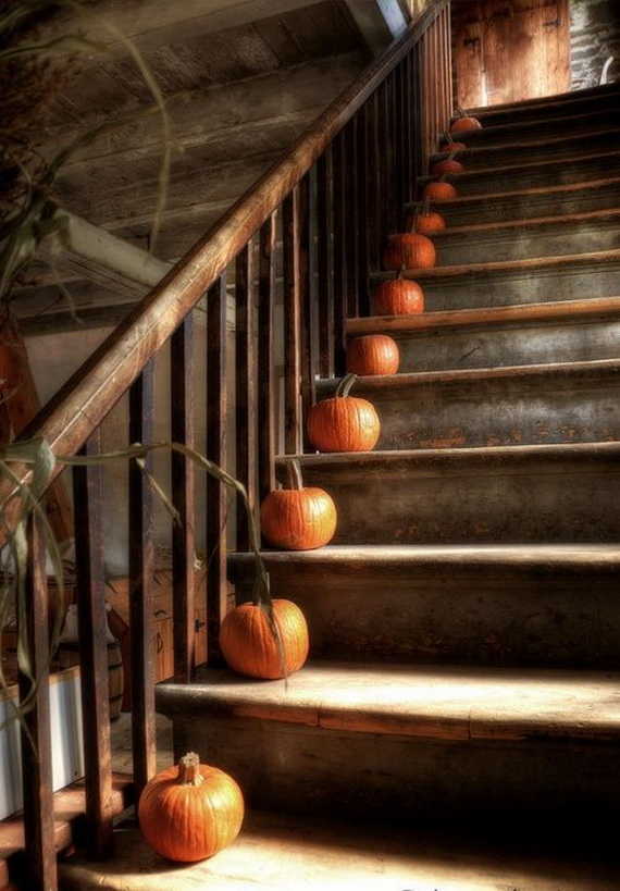 50 Unique Fall Staircase Decor Ideas_19