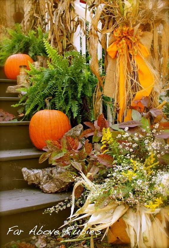 50 Unique Fall Staircase Decor Ideas_36