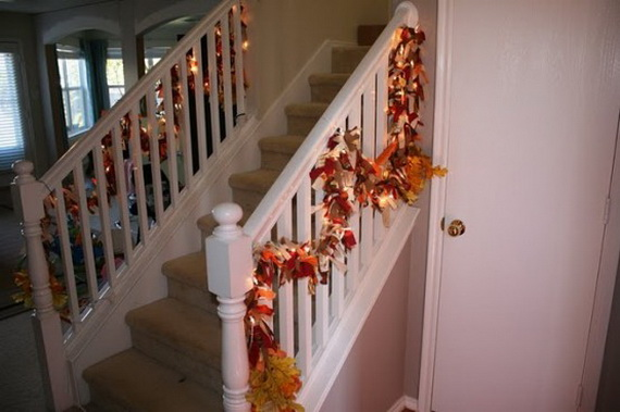 50 Unique Fall Staircase Decor Ideas_39