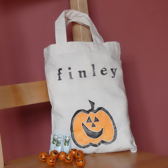 Easy Ideas for Halloween Treat Bags and Candy Bags (64)_resize