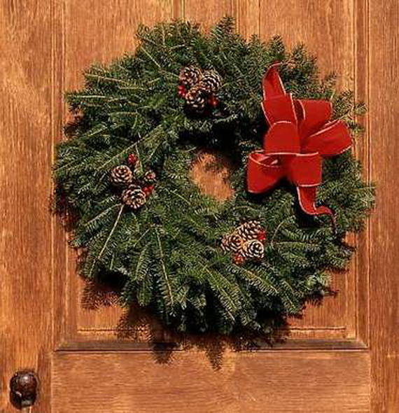 50 Great Christmas Wreath Ideas To Keep The Traditions Alive_26