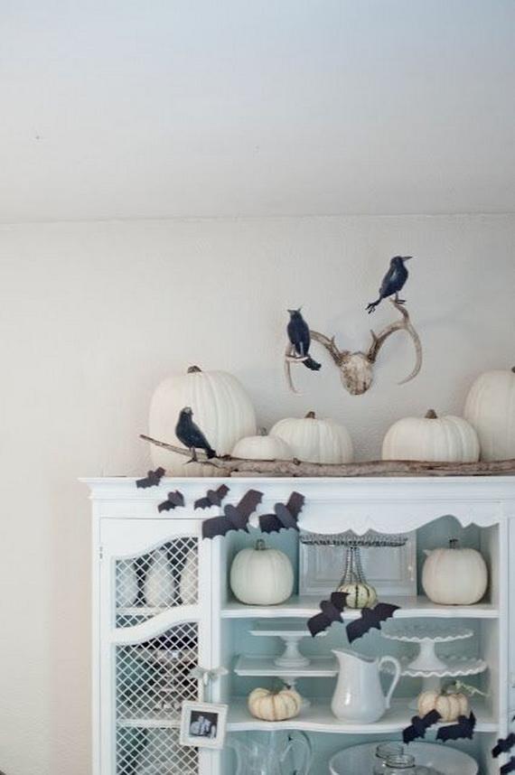 Elegant White Halloween Ideas_53