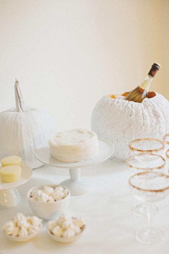 Elegant White Halloween Ideas_66