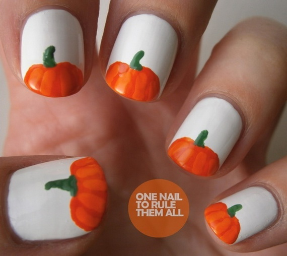 Gorgeous Ghastly Halloween Nail Art Designs (15)
