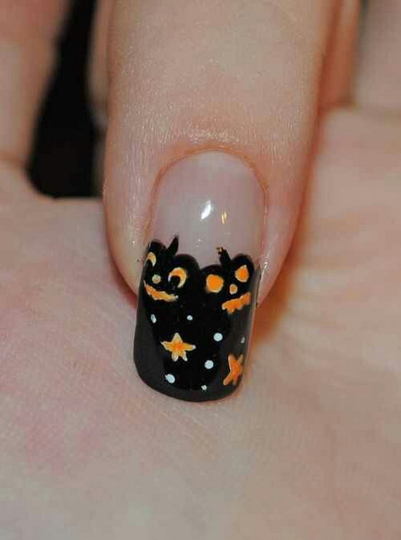Gorgeous Ghastly Halloween Nail Art Designs (23)