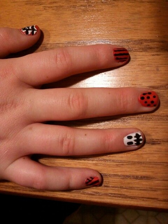 Gorgeous Ghastly Halloween Nail Art Designs (30)