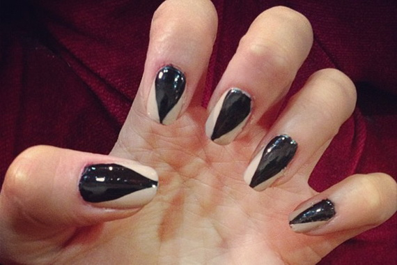 Gorgeous Ghastly Halloween Nail Art Designs (36)