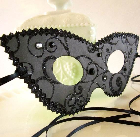 How-to-Make-a-Paper-Mache-Mask-With-a-Foil-Mold_40