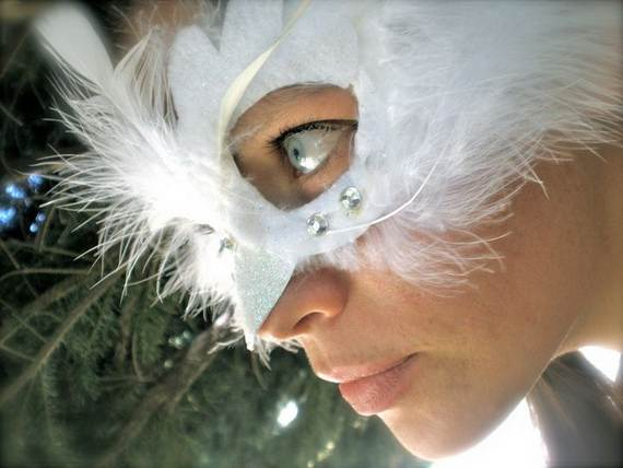 How-to-Make-a-Paper-Mache-Mask-With-a-Foil-Mold_76