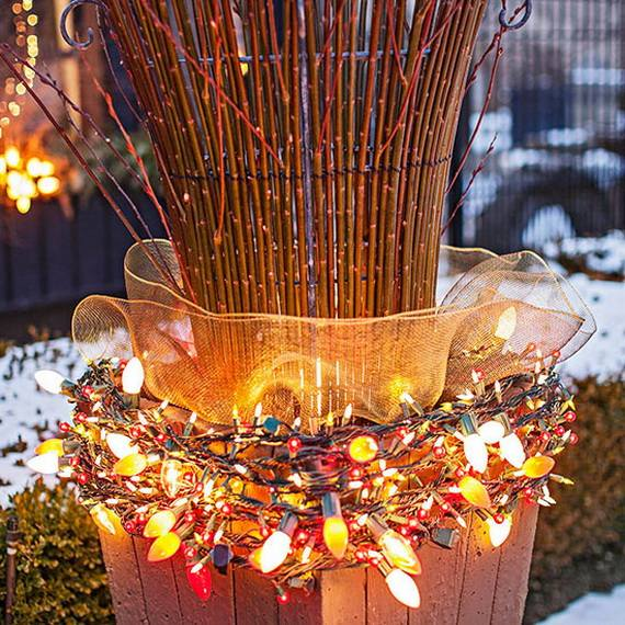 Outdoor-Christmas-Decorations-For-A-Holiday-Spirit-_021
