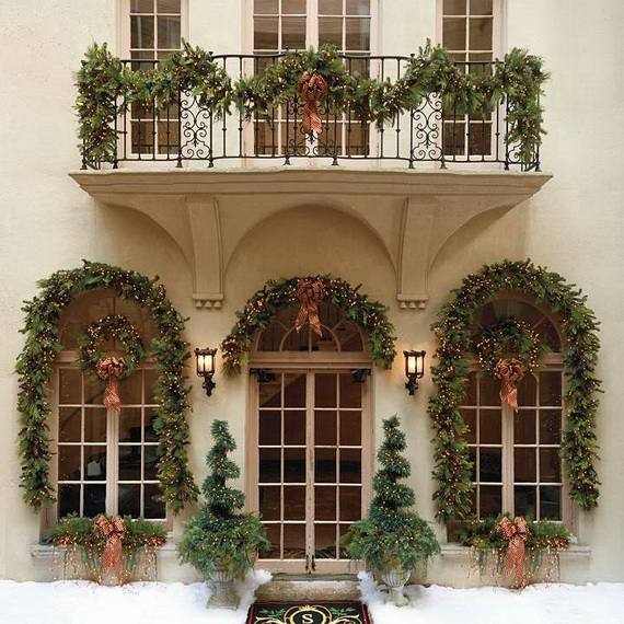 Outdoor-Christmas-Decorations-For-A-Holiday-Spirit-_13