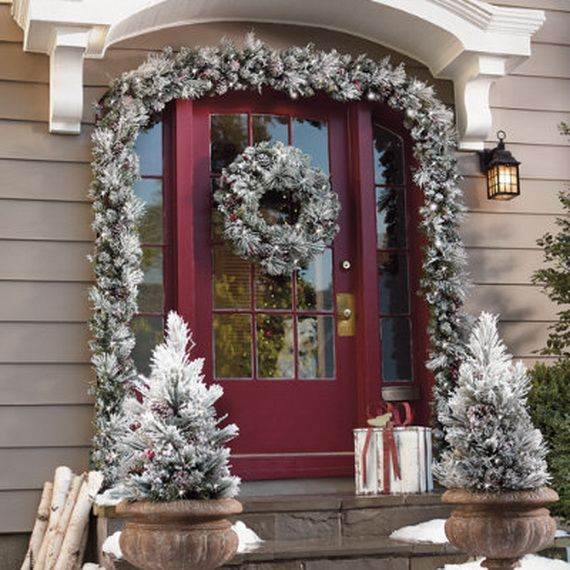 Outdoor-Christmas-Decorations-For-A-Holiday-Spirit-_141
