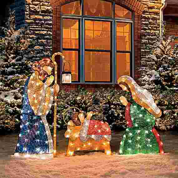 Outdoor-Christmas-Decorations-For-A-Holiday-Spirit-_331