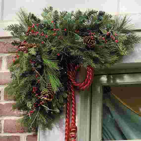 Outdoor-Christmas-Decorations-For-A-Holiday-Spirit-_351