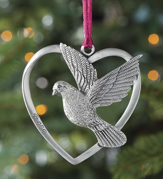 Splendid Ideas For Christmas Tree Decoration With Silver And Gold Ornaments_18