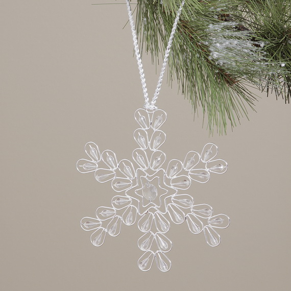 Splendid Ideas For Christmas Tree Decoration With Silver And Gold Ornaments_29