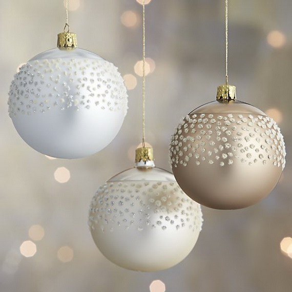 Splendid Ideas For Christmas Tree Decoration With Silver And Gold Ornaments_42