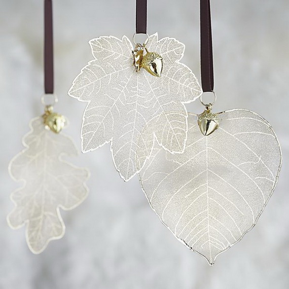 Splendid Ideas For Christmas Tree Decoration With Silver And Gold Ornaments_47