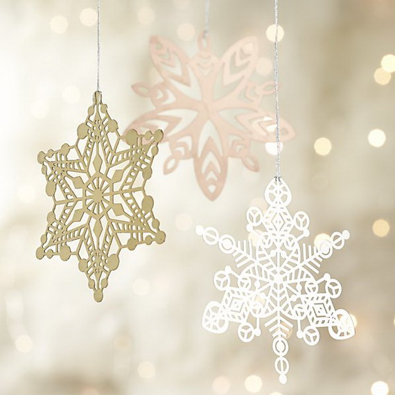 Splendid Ideas For Christmas Tree Decoration With Silver And Gold Ornaments_58