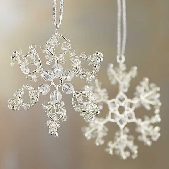 Splendid Ideas For Christmas Tree Decoration With Silver And Gold Ornaments_64