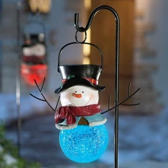 60-trendy-outdoor-christmas-decorations_27