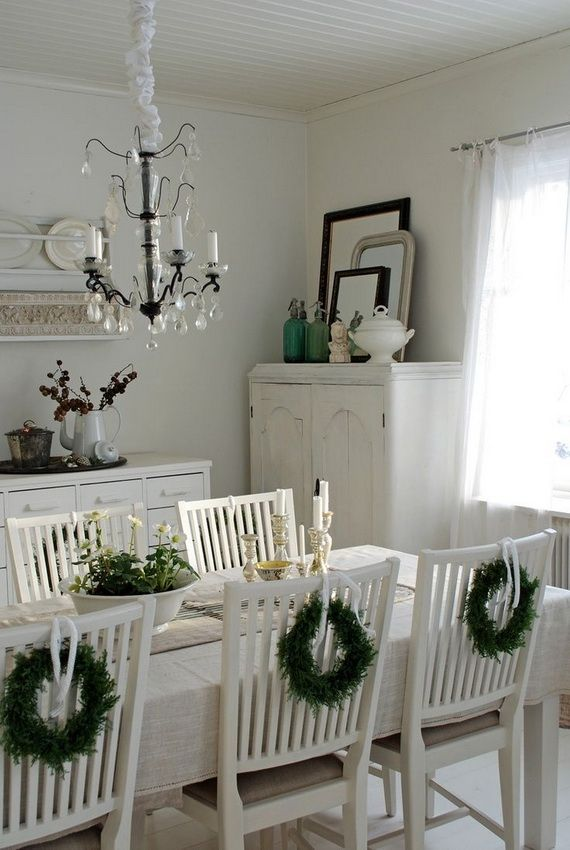 A Festive Christmas Table Decoration In Style_001