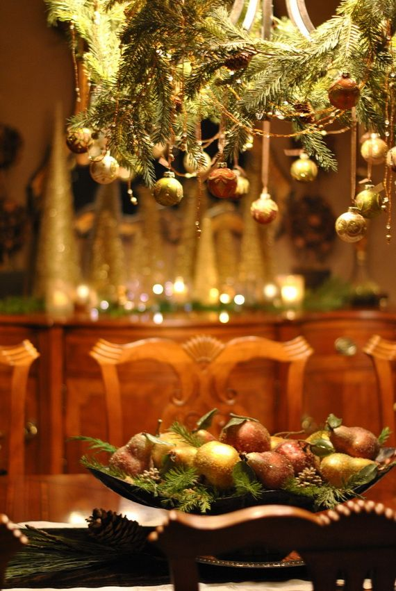 A Festive Christmas Table Decoration In Style_008