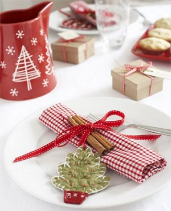 A Festive Christmas Table Decoration In Style_035