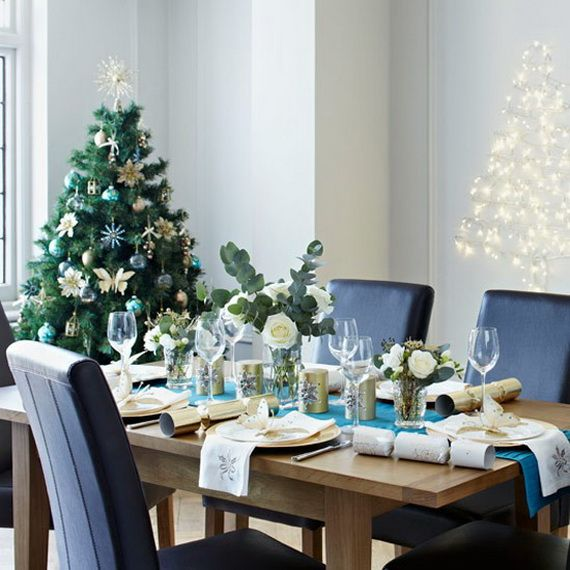 A Festive Christmas Table Decoration In Style_053