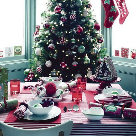 A Festive Christmas Table Decoration In Style_096