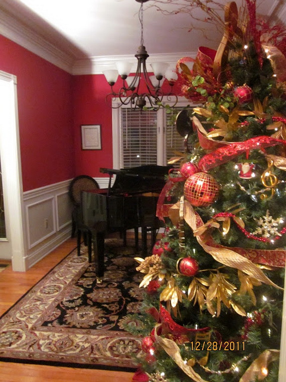 Amazing Red Interior Designs For The Holidays_26
