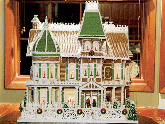 Amazing Traditional Christmas Gingerbread Houses_12
