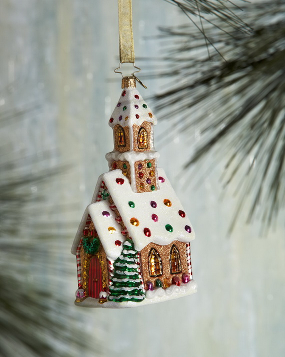 Amazing Traditional Christmas Gingerbread Houses_41
