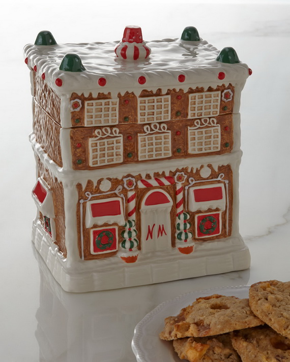 Amazing Traditional Christmas Gingerbread Houses_43